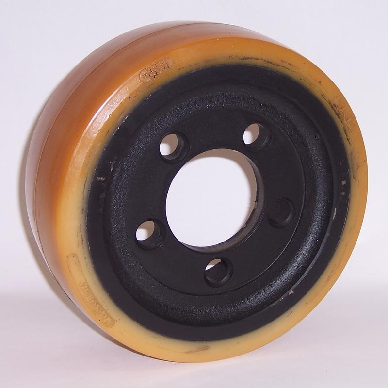 Ruote serie VM Ruote motrici in Vulkollan® [Desmodur 15 - lic. Bayer]. Durezza rivestimento 93 +/-3 Sh.A La portata è riferita ad una velocità di 6 km/h. <br/>N.5 fori diametro 18,5 su raggio di 56 mm.
