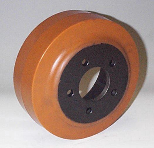 Ruote serie ZM Ruote motrici in poliuretano durezza 95+/-3Sh.A. La portata è riferita ad una velocità di 6 km/h. <br/>N.5 fori diametro 11 mm su raggio di 46 mm.