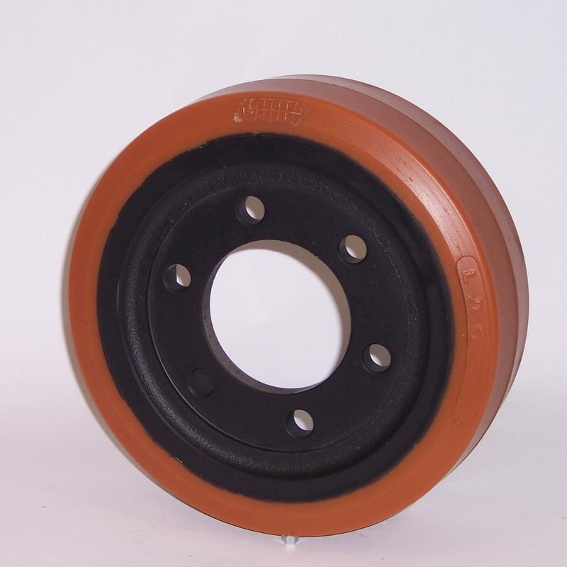 Ruote serie ZM Ruote motrici in poliuretano durezza 95+/-3Sh.A. La portata è riferita ad una velocità di 6 km/h. <br/>N.5 fori diametro 18,5 mm su raggio di 56 mm.