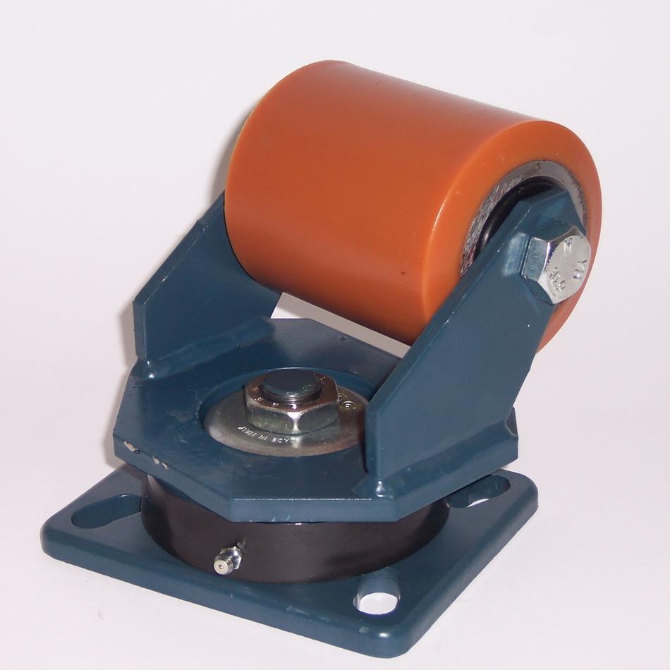 Ruote serie RT con supporto E70 Rulli transpallet in poliuretano colato 95 Sh.A. con mozzo in acciaio. Disponibili con o senza cuscinetti cuscinetti a sfere. Ruota con cuscinetti a sfere.