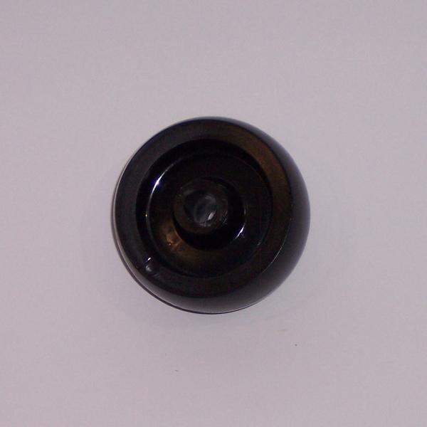 Ruote serie M Ruote per mobilio e per arredamento interni. Ruota a foro passante.<br/>Ruota in nylon nero a foro passante.