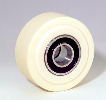 Ruote serie PE Ruota monolitica in poliammide 6 colata per carichi extrapesanti. Mozzo con: cuscinetti a sfere di precisione a tenuta stagna (2RS). Ruota con cuscinetti a sfere.