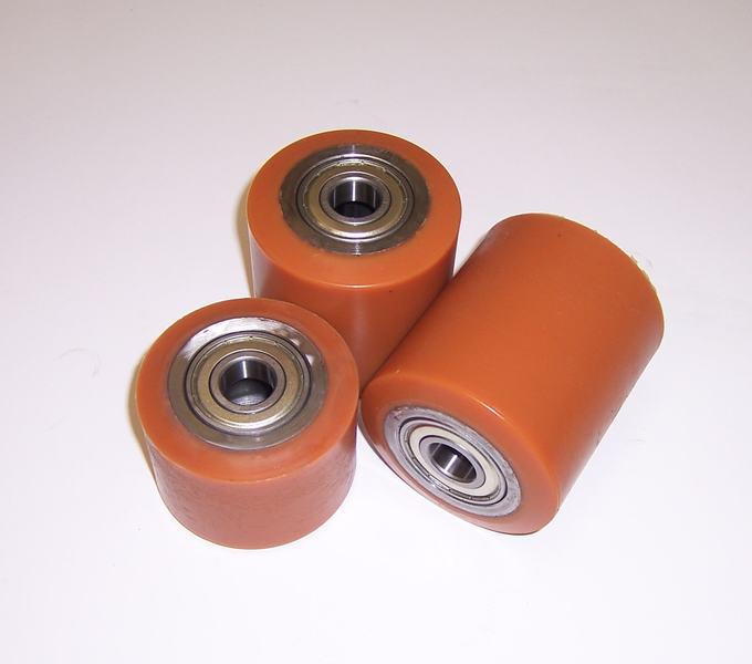 Ruote serie RT ROLL-ZETA - Rulli transpallet in poliuretano colato 95 Sh.A. con mozzo in acciaio. Disponibili con o senza cuscinetti cuscinetti a sfere.