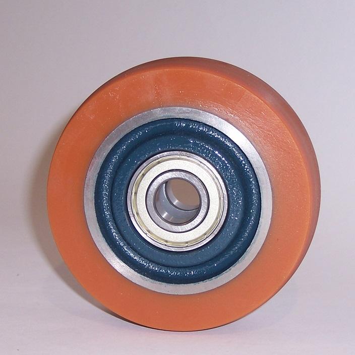 Ruote serie Z Ruote in poliuretano colato 95 Sh.A. e mozzo in ghisa. Disponibili con cuscinetti a sfere di precisione schermati. Ruota con cuscinetti a sfere.<br/>Battistrada bombato